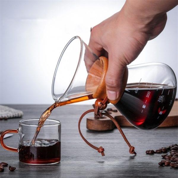 Man pooring coffee